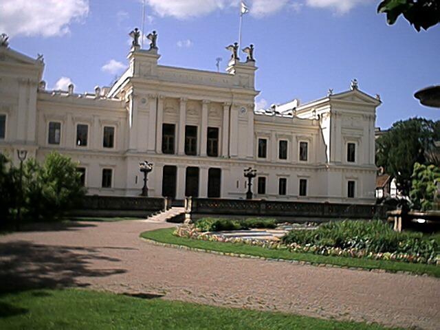 Huvudbyggnaden, Lunds universitet. Foto: CC BY-SA 3.0,